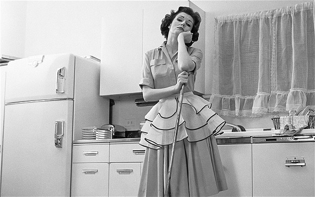 1950s-housewife-bo_2346930b
